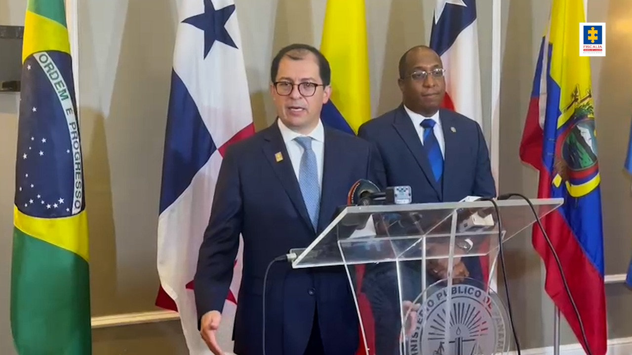 Fiscal General Francisco Barbosa participó en encuentro de fiscales y procuradores de Centro y Suramérica para diseñar estrategias multilaterales contra el tráfico de migrantes - Noticias de Colombia