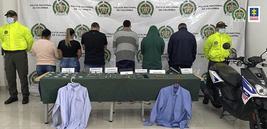 Fiscalía judicializó a 6 presuntos integrantes de la banda delictiva Odisea, dedicada al hurto de vehículos en tres comunas de Cali - Noticias de Colombia