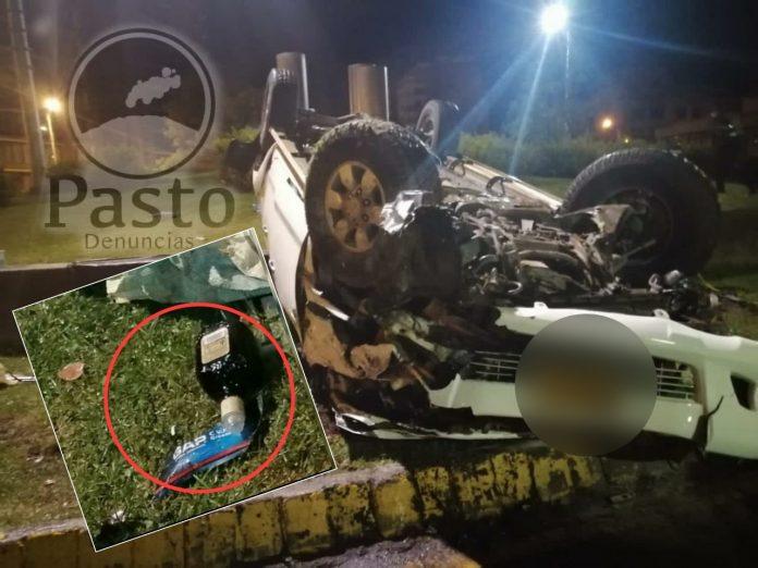 La botella de licor que había en el carro accidentado en Pasto, el conductor huyó y una joven murió - Noticias de Colombia