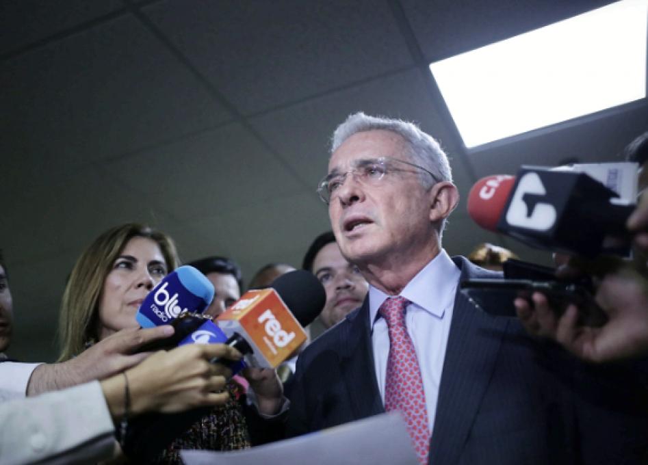La controvertida propuesta de Uribe de una amnistía para lograr la paz