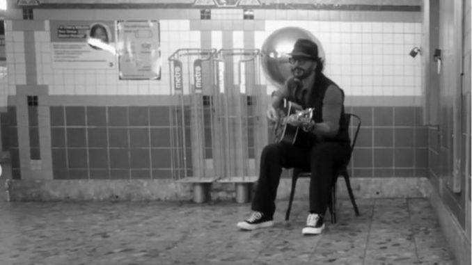 Ricardo Arjona cantó en el metro de Nueva York pero nadie lo reconoció - Noticias de Colombia