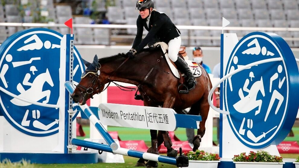 Tokio 2020 Olympic Games: German modern pentathlon coach disqualified from Olympics for punching a horse