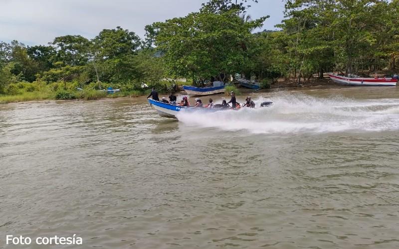 19 mil migrantes se encuentra varados en Necoclí-Antioquia, para seguir su rumbo a Acandí y de ahí saltar a Panamá. - Noticias de Colombia
