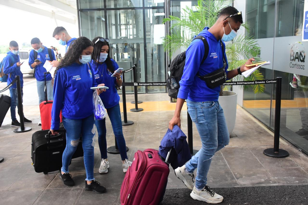 Hasta el 19 de septiembre permanecerán en la capital de la República, donde cumplirán una agenda que incluye visita a instituciones del Estado e intercambios con organizaciones juveniles de otros territorios.
