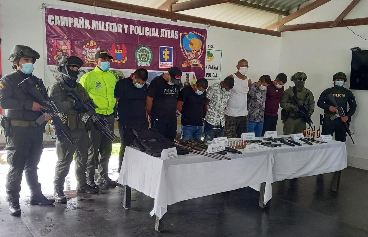 A prisión 7 presuntos integrantes de las disidencias del Frente 48 de las Farc, que estarían dedicados al tráfico de armas y a cuidar laboratorios de cocaína en Nariño - Noticias de Colombia