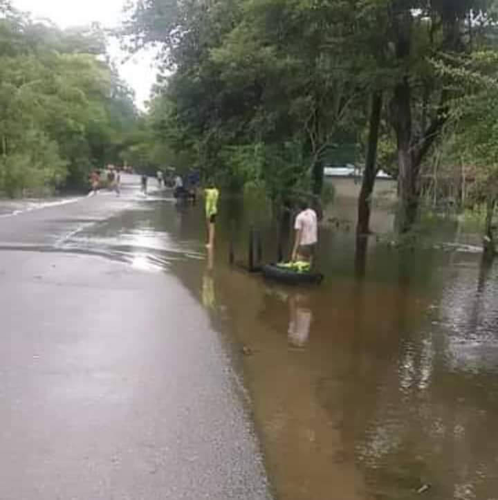 Agua sobrepasa carretera San Marcos-Majagual y hay temor de un colapso - Noticias de Colombia
