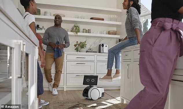 Pasando el rato con la familia: Amazon Astro podría ser una de las adiciones más lindas a la casa