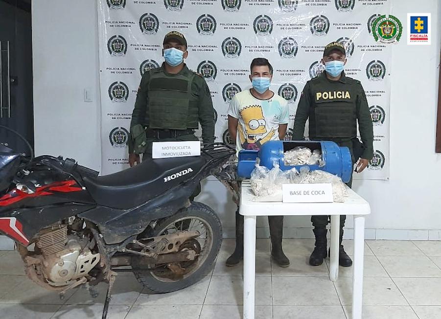 Asegurado hombre que transportaría más de 14 kilos de clorhidrato de cocaína - Noticias de Colombia