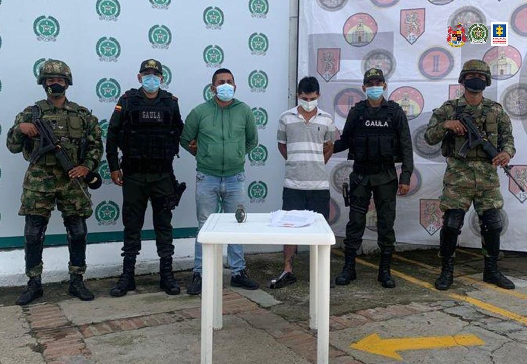 Asegurados dos presuntos integrantes del grupo armado organizado Los Pelusos-EPL - Noticias de Colombia