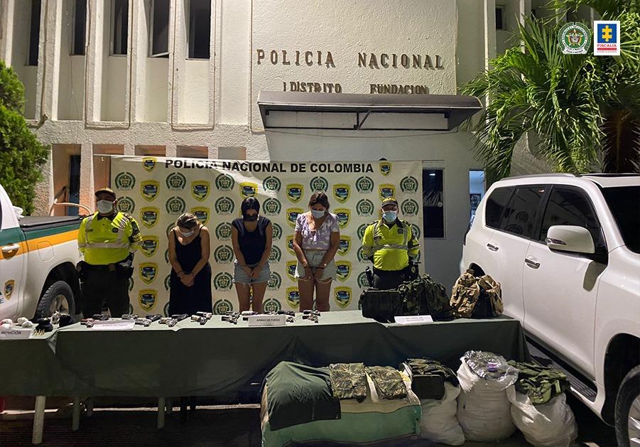 Cárcel para tres mujeres capturadas en flagrancia con armas de uso privativo de las Fuerzas Militares en Ciénaga (Magdalena) - Noticias de Colombia