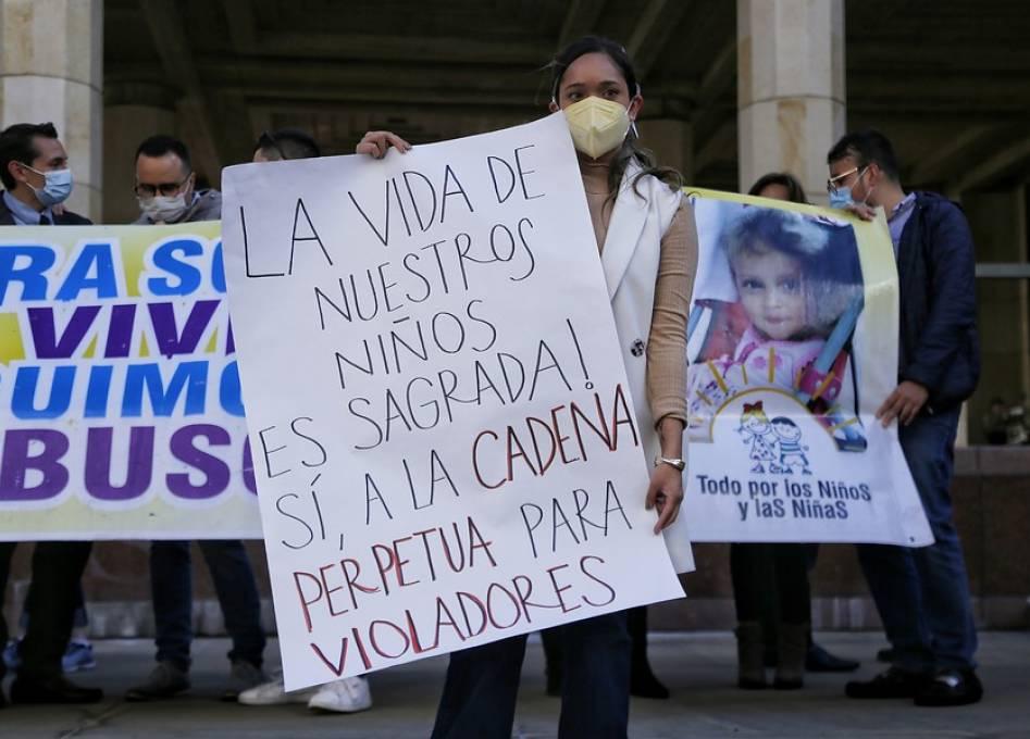 Con votación 6-3, Corte Constitucional tumbó cadena perpetua para violadores de niños