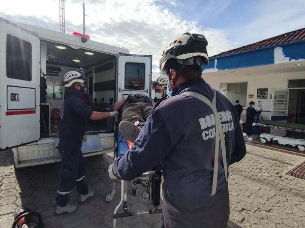 Emergencia en Ipiales: cuando reparaba su vehículo de carga este se 'desbancó´ y le cayó encima