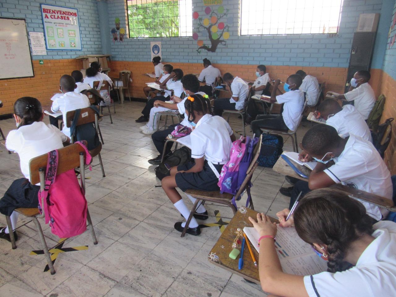 El secretario de educación Distrital afirmó que 32 colegios oficiales han vuelto a clases presenciales en Buenaventura