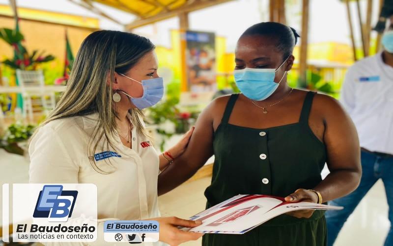 En Quibdó y Nuquí, Chocó, más de 900 personas dejarán de vivir en la informalidad al recibir el título de propiedad de sus hogares. - Noticias de Colombia