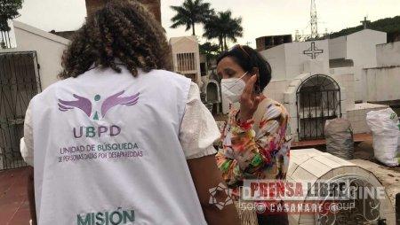 Hombres armados despojaron de vehículo a funcionaria de la Unidad de Búsqueda de Personas dadas por Desaparecidas - Noticias de Colombia