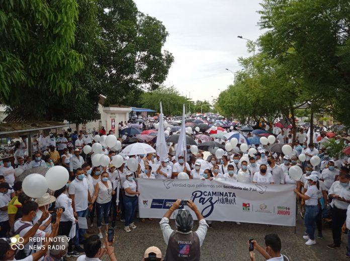 """""""Hoy más de 15 mil araucanos se unieron para decir: no más violencia, el territorio tiene derecho a crecer y la gente a vivir con tranquilidad"""": Facundo Castillo Cisneros, gobernador de Arauca - Noticias de Colombia"""