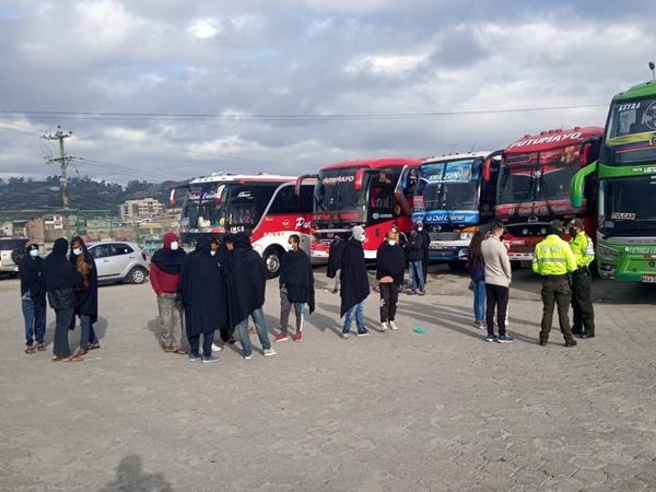 La migración que entra a Colombia por el sur del continente no para, ya hay varios asiáticos en Tulcán