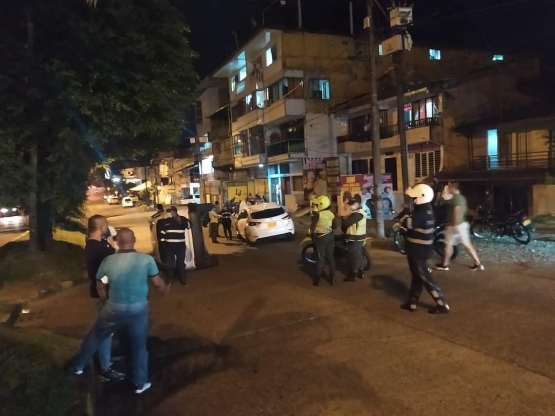 La noche anterior se presentó un accidente de tránsito por el sector del f8 en Buenaventura
