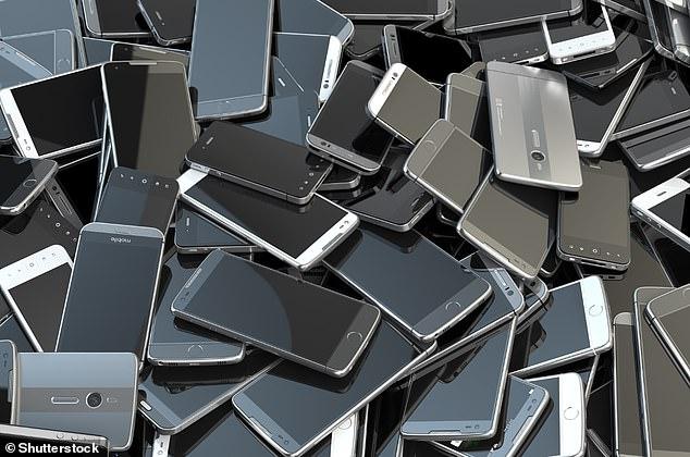 La informática global en forma de teléfonos inteligentes, computadoras portátiles y otros dispositivos podría ser responsable de una mayor proporción de emisiones de gases de efecto invernadero de lo que se pensaba anteriormente, según la investigación de la Universidad de Lancaster.