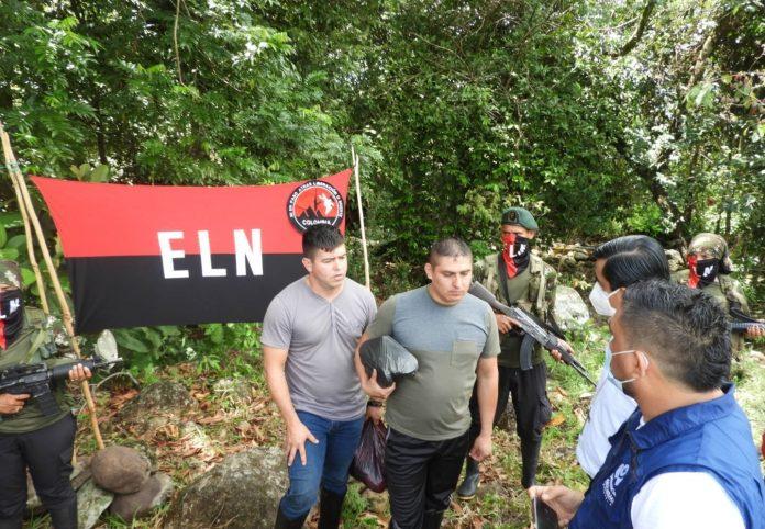 Liberados los Dos militares que fueron secuestrados por ELN en Arauca; los entregaron a Defensoría - Noticias de Colombia