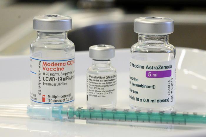 Llegan nuevas vacunas a Cali, incluida Moderna