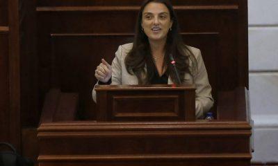 """Ministra TIC pide explicaciones a la RAE por significados que le dan a la palabra """"abudinear"""""""