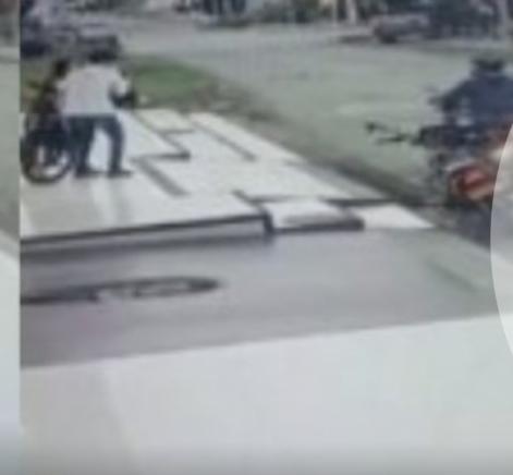 Montería   En 30 segundos robaron a una mujer. Accidente tiene a dos motociclistas en UCI - Noticias de Colombia