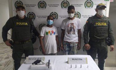 Por el porte ilegal de armas y municiones de la Fuerza Armada, dos hombres fueron capturados