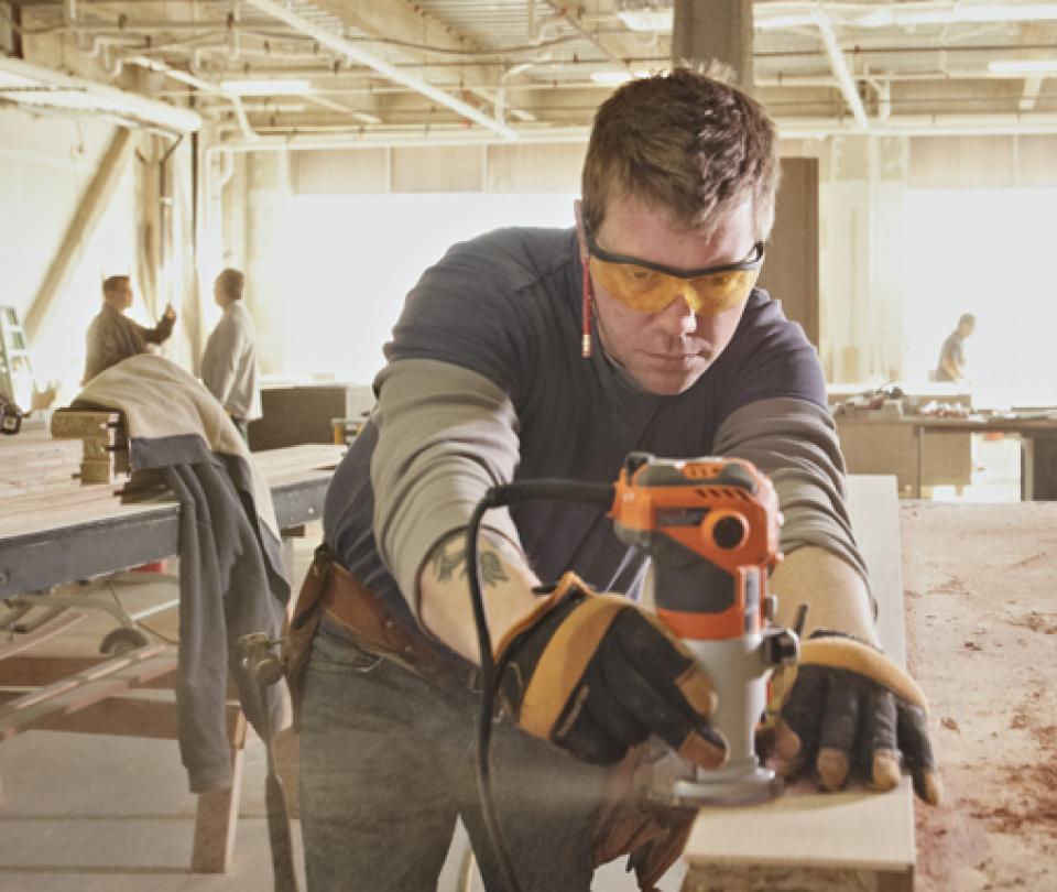 Sectores clave en la creación de empleo solo pesan 26,7% del PIB | Economía