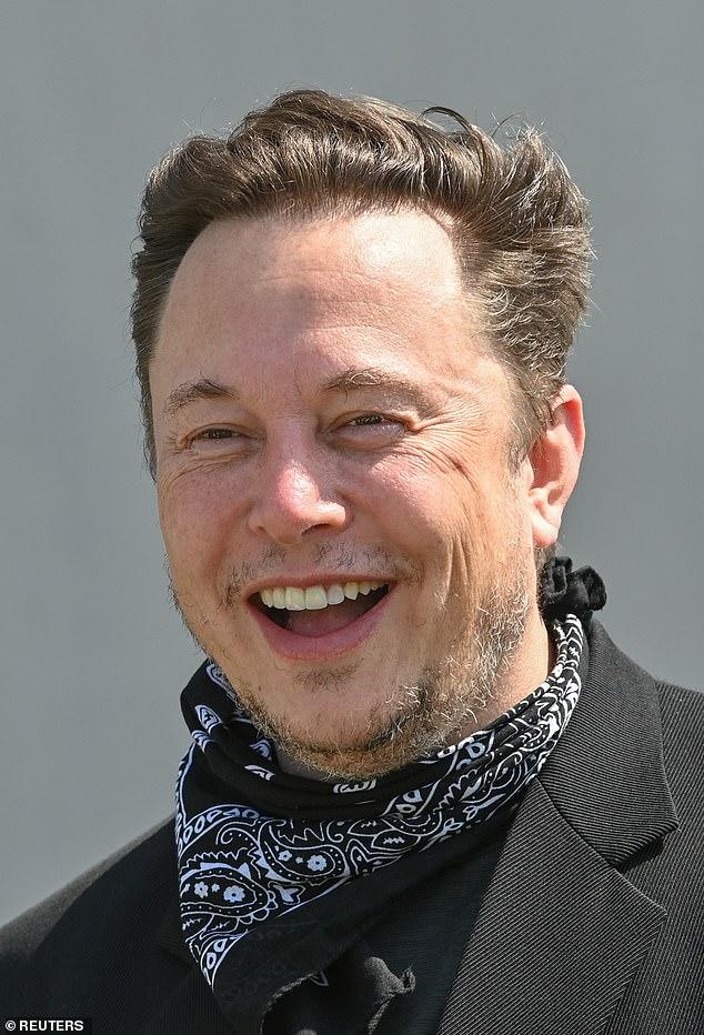 A diferencia de los vuelos que tomaron Richard Branson y Jeff Bezos a principios de este verano, este vuelo del SpaceX de Musk entrará en órbita.