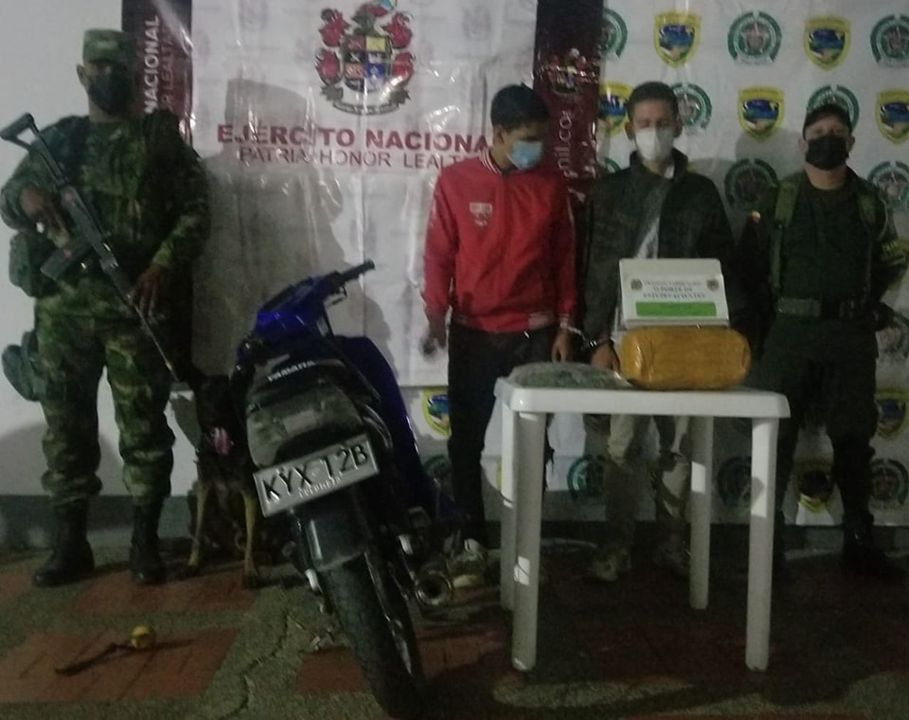 Tres hombres fueron capturados en las últimas horas con estupefacientes en las vías del Huila. - Noticias de Colombia