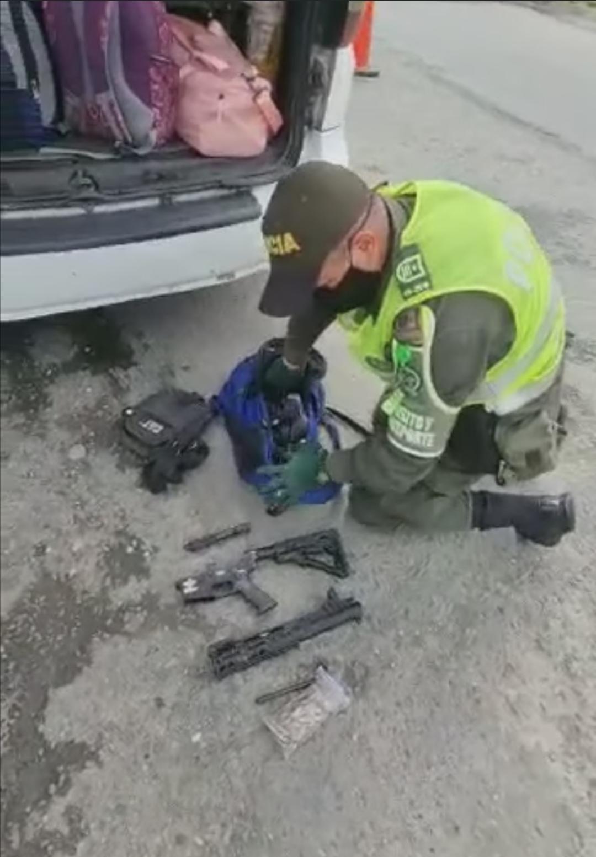 Un hombre fue capturado en Buenaventura por transportar en objetos ilegales en un vehículo intermunicipal