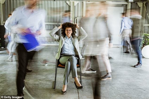 La misokinesia, el 'odio a los movimientos', es una respuesta psicológica a la visión de los movimientos pequeños y repetitivos de otra persona (imagen conceptual)