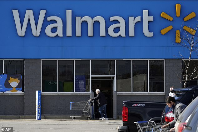 Walmart comenzará a probar un servicio de entrega de vehículos autónomos este año que permitirá a los clientes realizar pedidos en línea y recibir sus comestibles en un automóvil sin conductor.