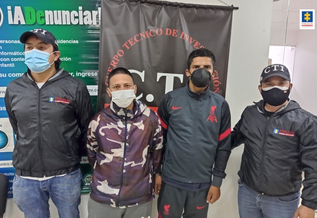 A la cárcel dos presuntos miembros de la banda Los Profes que, suplantaban funcionarios del Distrito para estafar ciudadanos en Bogotá - Noticias de Colombia