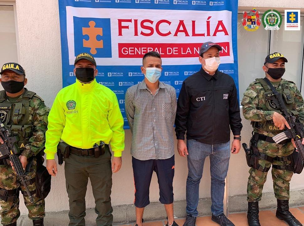 A la cárcel hombre que habría asesinado a otro por supuestos conflictos entre sus parejas sentimentales - Noticias de Colombia