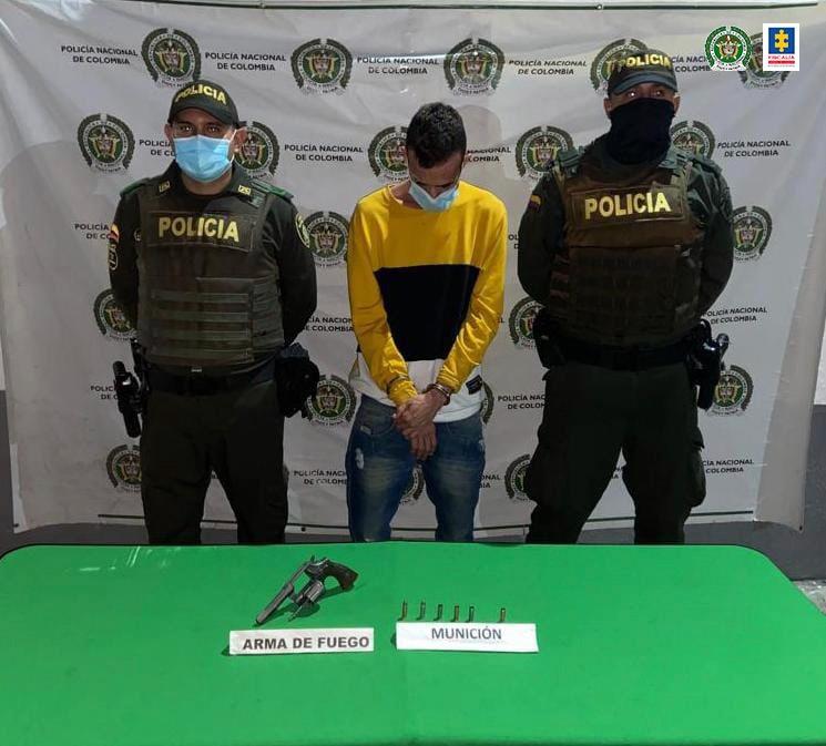 A prisión presunto responsable de portar un revólver sin el permiso de ley - Noticias de Colombia