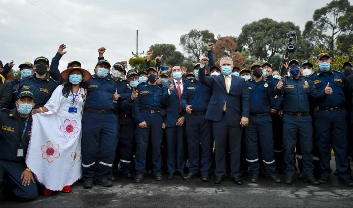 Arauca entre los 400 cuerpos de bomberos del país beneficiados con dotaciones - Noticias de Colombia