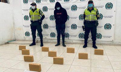 Asegurado un hombre que estaría transportando 10 kilos de marihuana en unamotocicleta - Noticias de Colombia