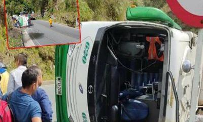 Bus intermunicipal que iba a Tumaco se volcó y habrían cerca de 15 lesionados