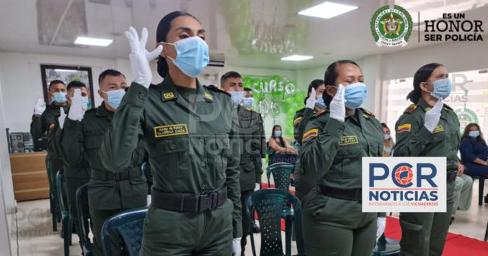 CUATRO MUJERES Y NUEVE HOMBRES AUXILIARES DE POLICÍA EN VICHADA JURARON BANDERA ANTES DIOS Y LA PATRIA, PARA SERVIRLE A LA COMUNIDAD - Noticias de Colombia