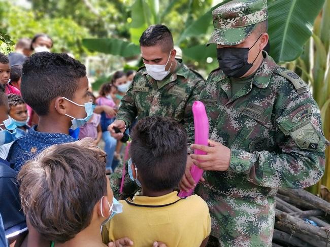 Ejército Nacional brinda bienestar y recreación a la población de El Tigre, en Aracataca - Noticias de Colombia