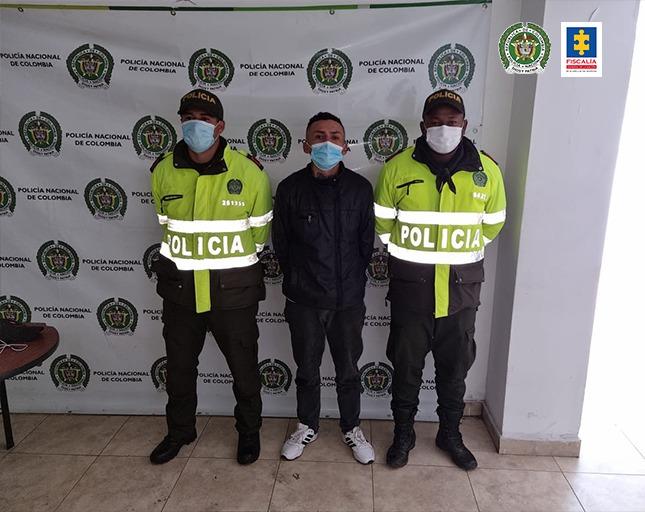 Fiscalía puso a disposición a un hombre, para que cumpla sentencia de 5 años de prisión - Noticias de Colombia