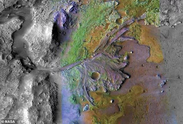 Fotos recientemente publicadas muestran la región del delta del cráter Jezero