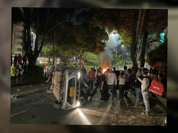 La persecución de un taxista de los presuntos ladrones resultó en un grave accidente en el norte de Cali - Noticias de Colombia