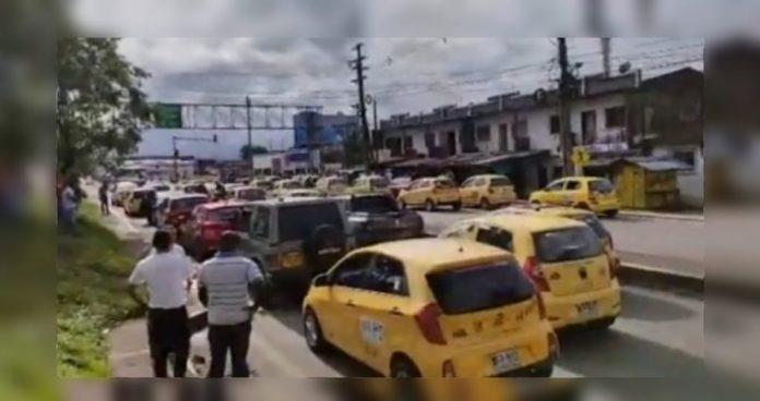 Los taxistas de Buenaventura protestaron: permitieron la capacidad total de pasajeros, pero