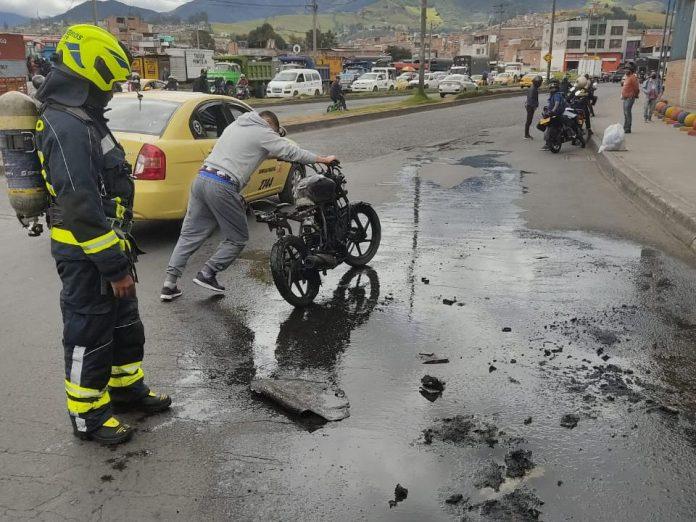 Moto quemada a presunto ladrón en Pasto no sería de él, la dueña se la entregó para trabajarla como mototaxi - Noticias de Colombia