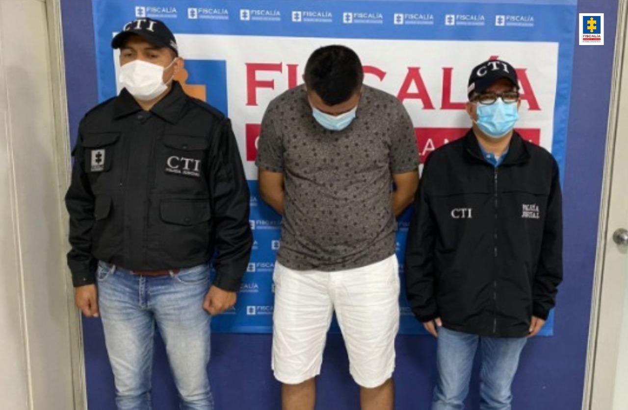 Presunto responsable de 'cambiazo de tarjetas débito' en Ibagué, fue detenido en Florencia - Noticias de Colombia