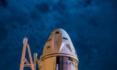La misión de Halloween de SpaceX a la Estación Espacial Internacional (ISS) parece que se lanzará según lo programado, siempre que la NASA apruebe el inodoro mejorado de la cápsula Crew Dragon.  En la foto: la cápsula de la tripulación que llega al Centro Espacial Kennedy el domingo
