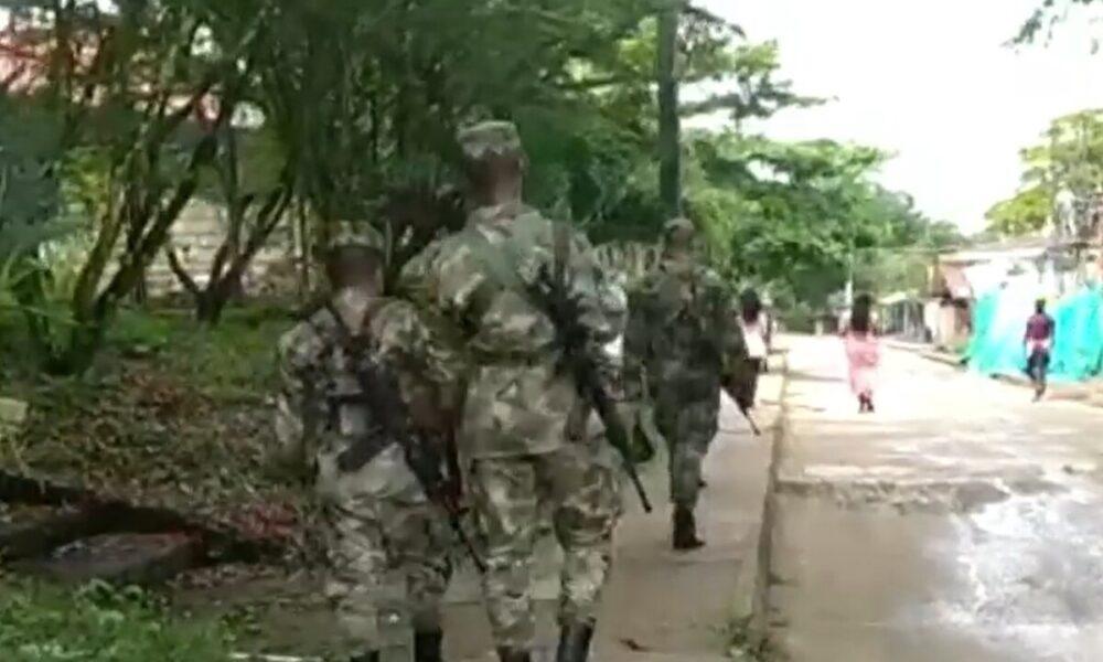 Tensión en Bojayá por combates entre el Ejército y el Clan del Golfo: un soldado resultó herido